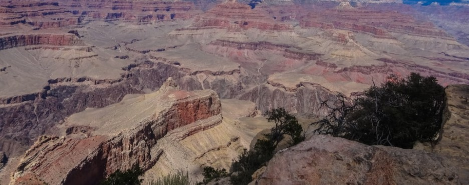 1-Day Las Vegas to Grand Canyon West Rim Skywalk, Helicopter & Cruise Combo Tour