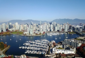 11-Day Montreal to Vancouver, Toronto, Seattle, Yellowstone National Park, Mount Rushmore, Detroit and Chicago City Tour
