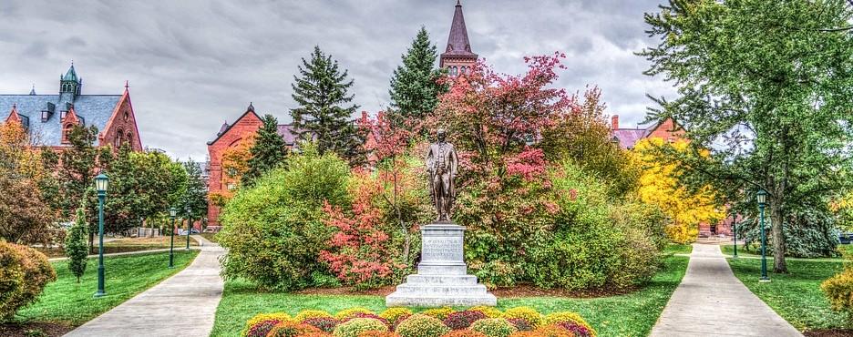 2-Day Boston to Vermont Foliage, Lake Placid and Adirondack Park Tour
