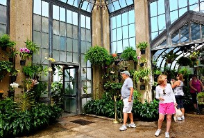 2-Day New York/New Jersey to Penns Cave, Longwood Gardens & Christmas Village Tour