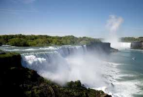 2-Day New York to Niagara Falls, Finger Lakes and The Crossing Outlet Tour