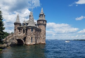 2-Day Philadelphia to Thousand Islands and Niagara Falls In-depth Tour