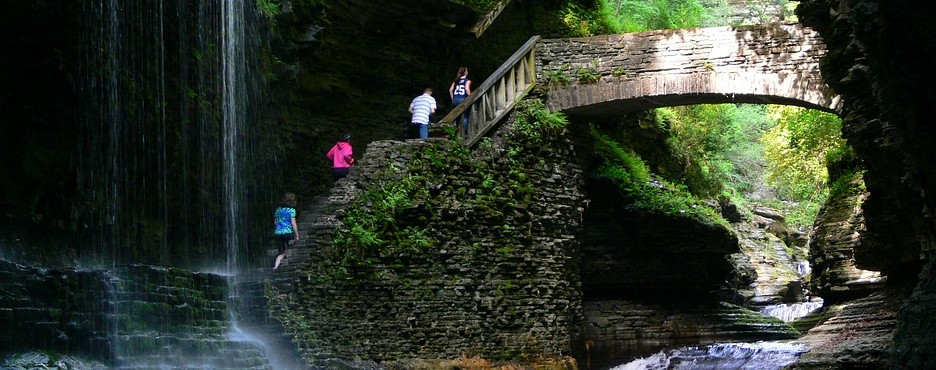 2-Day From New York/New Jersey to Corning, Whirlpool State Park and Niagara Falls Tour