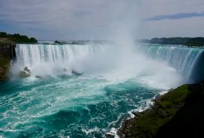 4-Day Boston to Montreal, Niagara Falls, Toronto and Thousand Islands Tour