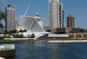 4-Day Chicago to Route 66, Milwaukee, Lake Geneva and Chicago City In-depth Tour (Free Airport Pickup)