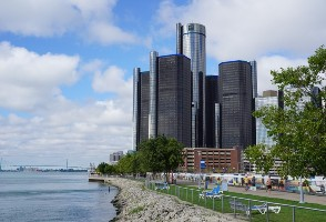 4-Day Chicago to Detroit, Milwaukee, Mackinac Island and Great Lakes Tour