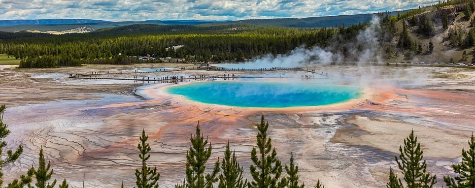 4-Day Salt Lake City to Yellowstone, Grand Teton, Mt. Rushmore, Rocky Mountains and Independent Rock Tour