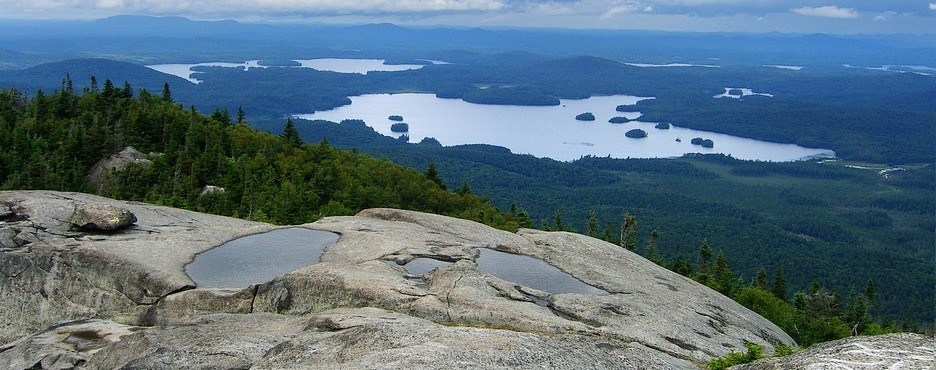 5-Day Boston to Lake Placid, Newport, Adirondack Park, Keeseville and New England (Vermont Rout) Fall Foliage Tour (Free Airport Pickup)