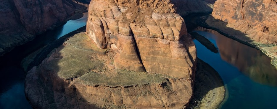5-Day Las Vegas to Antelope Canyon, Horseshoe Bend, Grand Canyon South Rim/West Rim and Optional Theme Parks Tour (Free Airport Pickup - LAX OUT
