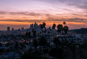 5-Day Las Vegas to Los Angeles, Grand Canyon (West/South Rim), Barstow Outlets and Theme Parks Tour (Free Airport Pickup - LAX OUT)