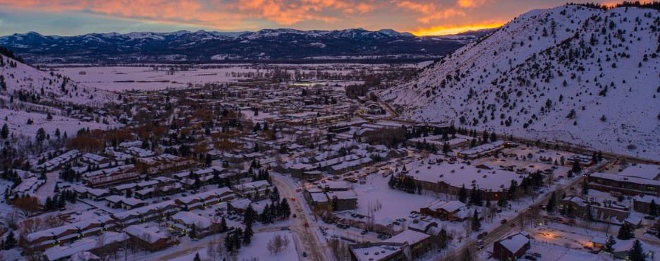 5-Day Salt Lake City to Jackson Hole, Grand Teton, Snow King Mountain and Yellowstone National Park Winter Tour