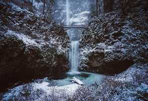 5-Day Seattle to Multnomah Falls, International Rose Test Garden, Seattle City, Portland and Woodburn Outlets Luxury Shopping Tour (Free Airport Pickup)