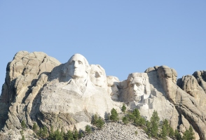 6-Day From Los Angeles to Mt. Rushmore, Las Vegas and Yellowstone National Park Tour