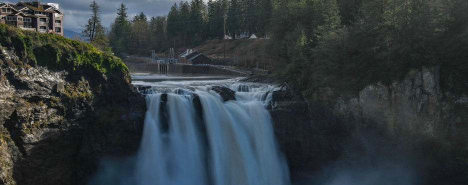 6-Day Seattle to Spokane, Missoula, Coeur D'Alene, Snoqualmie Falls, Leavenworth German Town, Mt Rainier, Yellowstone and Olympic National Park Tour (Free Airport Pickup)