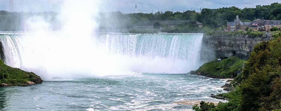 6-Day Washington DC to Philadelphia, Finger Lakes, Niagara Falls, Corning and New York City Tour (Free Airport Pickup)