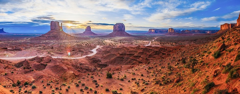 7-Day Phoenix to Antelope Canyon, Lake Powell, Monument Valley, Arches NP, Tucson, White Sands National Park and Palm Springs Outlet Shopping Tour (Free Airport Pickup)