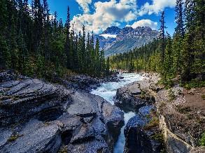 7-Day Vancouver to Yoho National Park, Bubble Lake, Banff National Park, Sulphur Mountain, Lake Louise and Johnston Canyon Tour (Free airport Pickup)