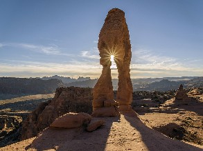 8-Day Denver to Rocky Mountain, Rapid City, Mount Rushmore, Yellowstone, Badlands NP, Arches National Park, Las Vegas and Denver City Tour (Free Airport Pickup)