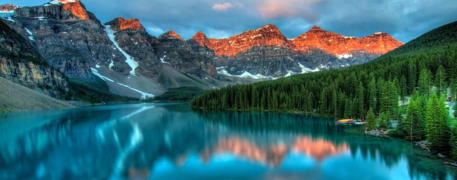1-Day Calgary to Waterton Lake National Park and Redrock Canyon Tour