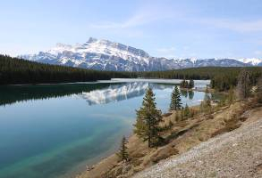 1-Day Calgary to Horseback Ride Experience and Banff Sightseeing Tour