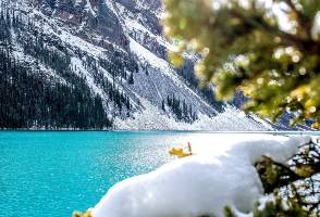 5-Day Vancouver to Moraine Lake, Icefield, Johnston Canyon and Banff Tour