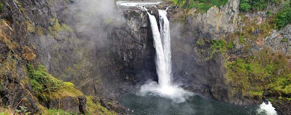 1-Day Seattle to Snoqualmie Falls and Leavenworth German Town Tour