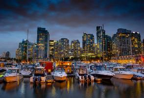 7-Day From Vancouver to Victoria, Chinatown, Jasper, Glacier Skywalk and Banff Tour