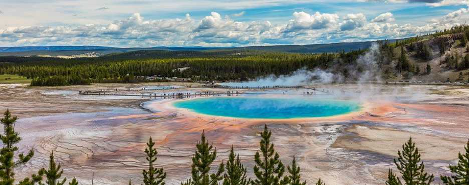 4-Day Seattle to Spokane, Yellowstone Landscape Sightseeing and Lake Coeur D'Alene Tour